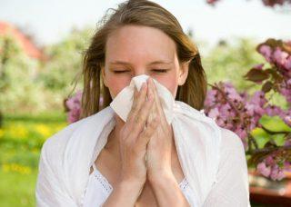 花粉で肌荒れが起こる?原因と対策方法について