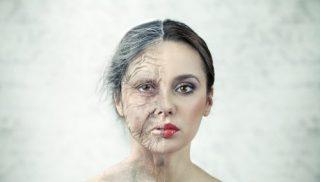 肌荒れの原因は加齢だけじゃない?シワの原因と対策